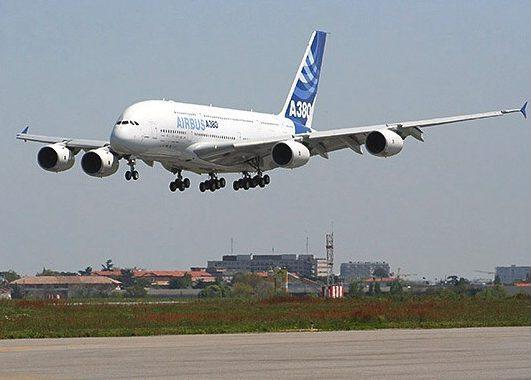 Máy bay được làm từ Titan